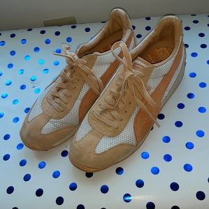 Puma sneakers size 9.5